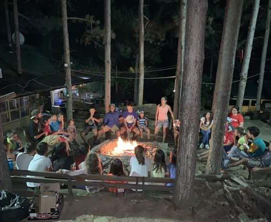 вечерен огън и игри