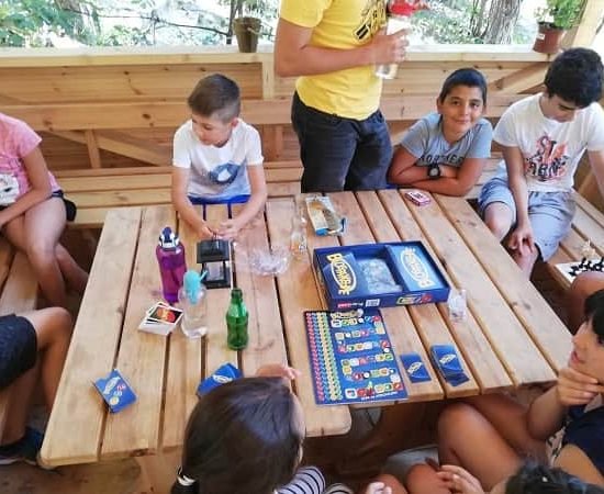 настолни игри по време на лагер
