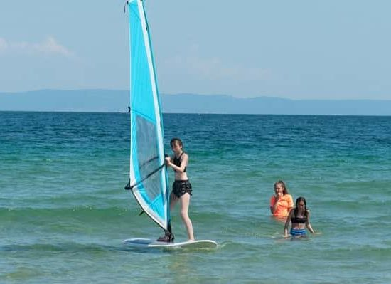 летен лагер със сърф урок