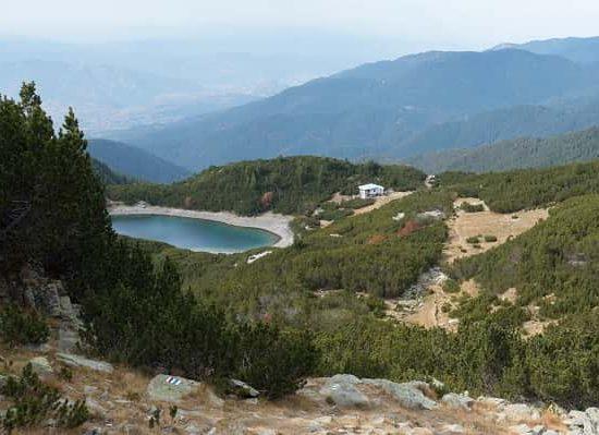 х. Синаница с езерото при слизане от върха