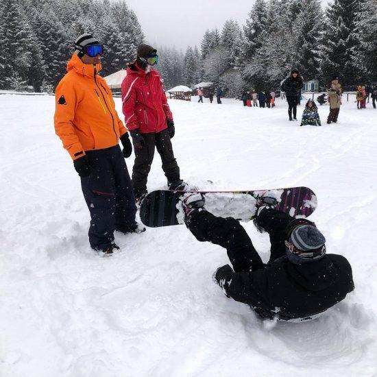 Зимни услуги от Adventure Net | Ски и сноуборд училище